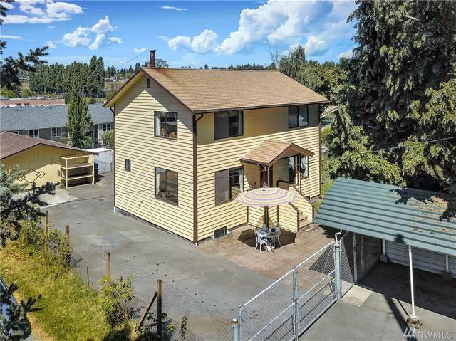 8821 24th Ave SW, Seattle, WA 98106 (#1633017) :: Ben Kinney Real Estate Team