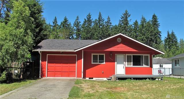 1417 W 16th Street, Port Angeles, WA 98363 (#1633639) :: The Original Penny Team