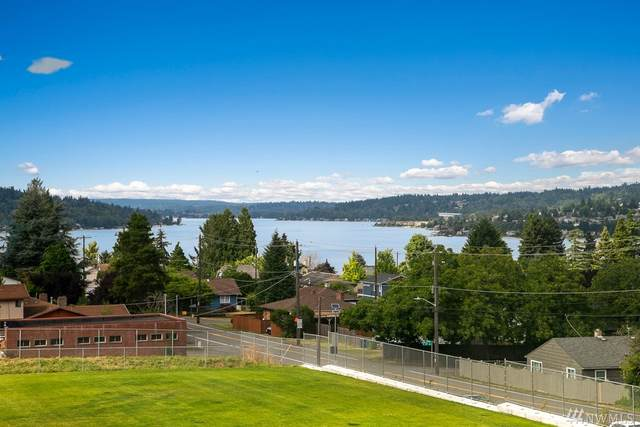 8271 S 118th Street, Seattle, WA 98178 (#1633986) :: The Original Penny Team