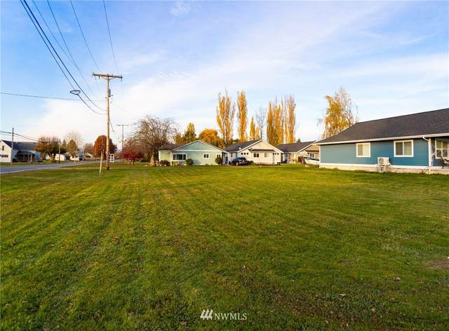 208 Front Street, Sumas, WA 98295 (#1634020) :: Alchemy Real Estate