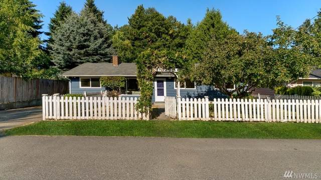 10225 28th Avenue SW, Seattle, WA 98146 (#1634174) :: Urban Seattle Broker