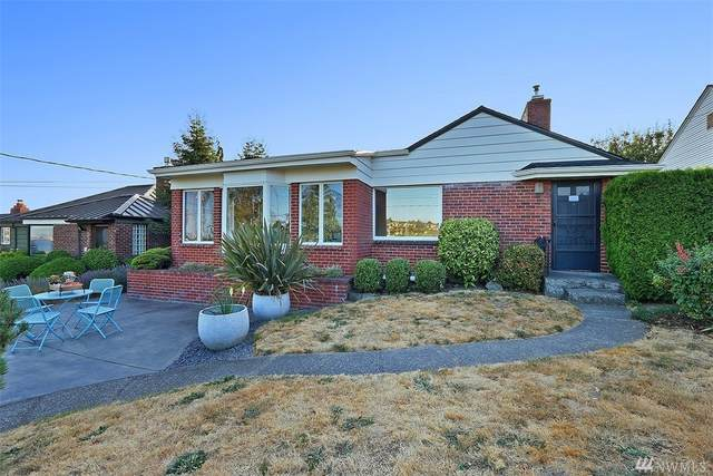 2569 24th Ave W, Seattle, WA 98199 (#1635104) :: The Original Penny Team