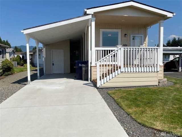 935 Noble Place, Enumclaw, WA 98022 (#1636460) :: McAuley Homes