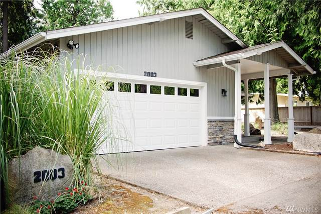 2003 220th Ave SE, Sammamish, WA 98075 (#1638090) :: Commencement Bay Brokers