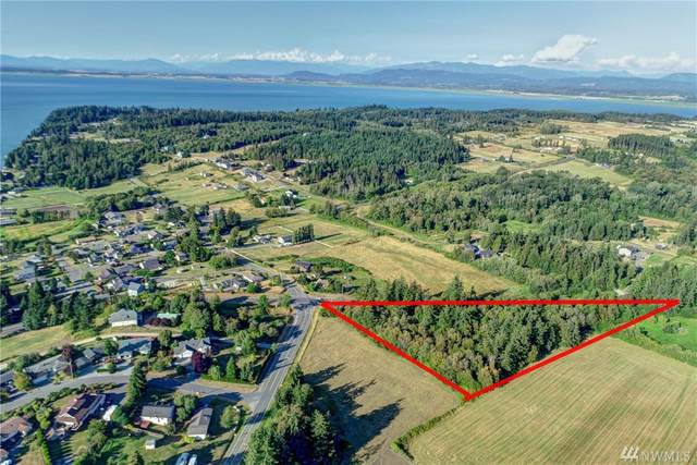 250 E North Camano Dr, Camano Island, WA 98282 (#1638302) :: Keller Williams Realty