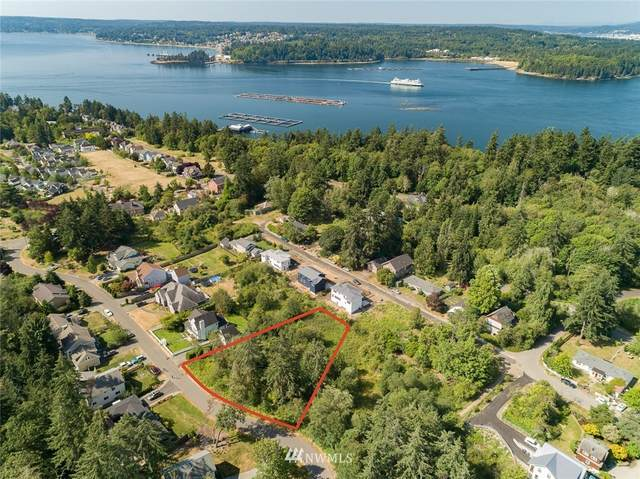 2145 Belfair Avenue NE, Bainbridge Island, WA 98110 (#1639106) :: Keller Williams Realty