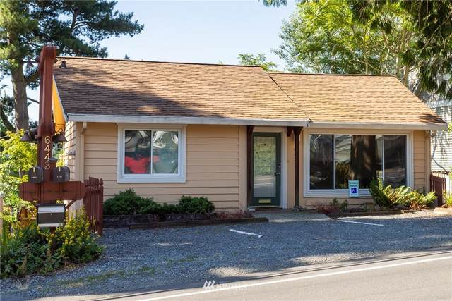 6443 NE 181st Street, Kenmore, WA 98028 (#1639119) :: Real Estate Solutions Group
