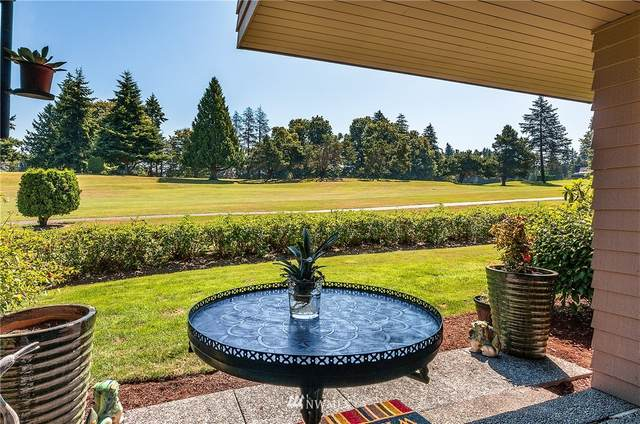 10810 S Glen Acres T19, Seattle, WA 98168 (#1639386) :: NW Home Experts
