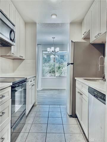 12423 NE 145th Place B145, Kirkland, WA 98034 (#1641052) :: McAuley Homes
