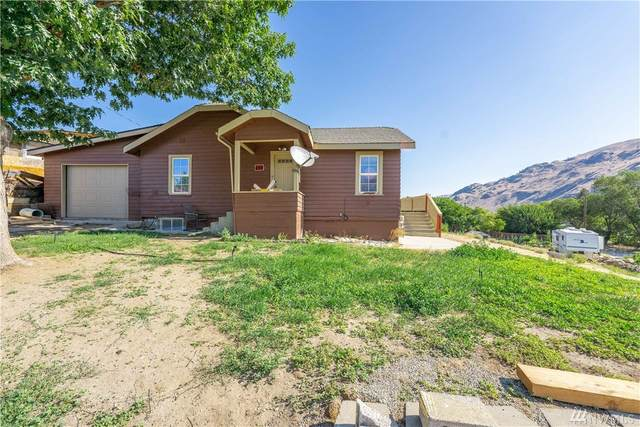750 3rd Street, Chelan Falls, WA 98817 (#1641746) :: Ben Kinney Real Estate Team