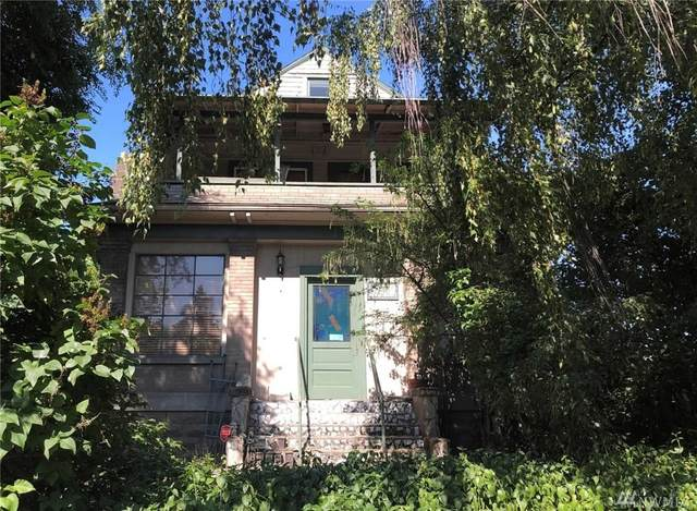 2611 41st Ave SW, Seattle, WA 98116 (#1642276) :: The Original Penny Team