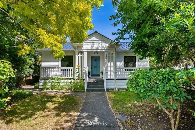 3220 63rd Avenue SW, Seattle, WA 98116 (#1643088) :: The Original Penny Team