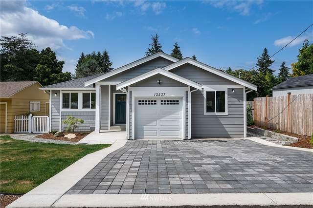 12237 1st Avenue NE, Seattle, WA 98125 (#1643134) :: TRI STAR Team | RE/MAX NW