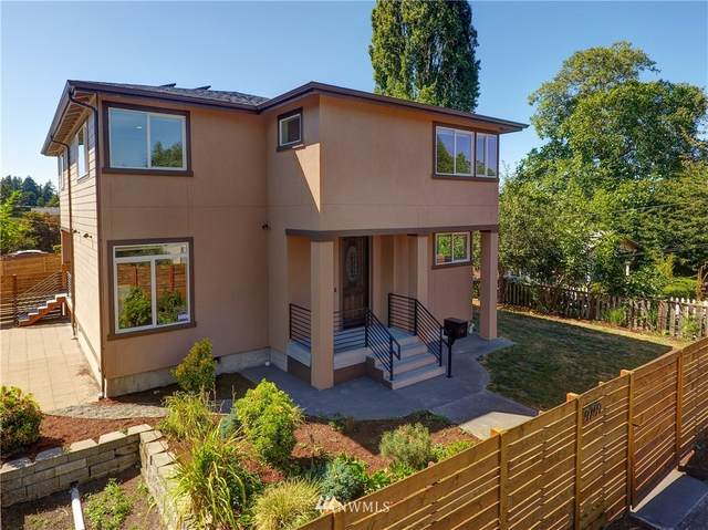 9759 57th Avenue S, Seattle, WA 98118 (#1643309) :: Better Homes and Gardens Real Estate McKenzie Group