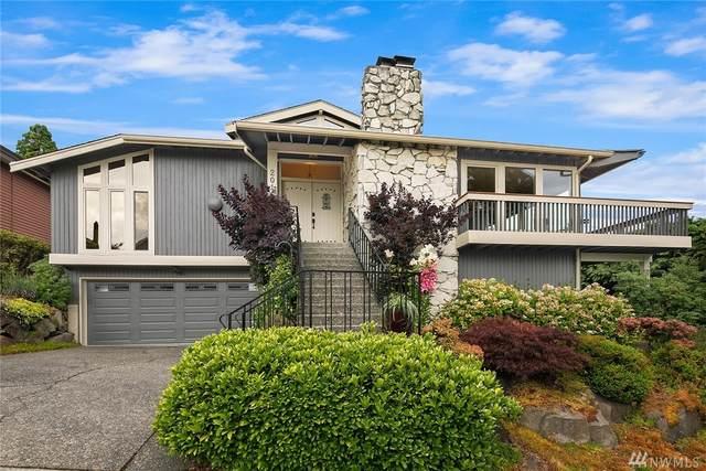 2016 Constance Dr W, Seattle, WA 98199 (#1643498) :: Alchemy Real Estate