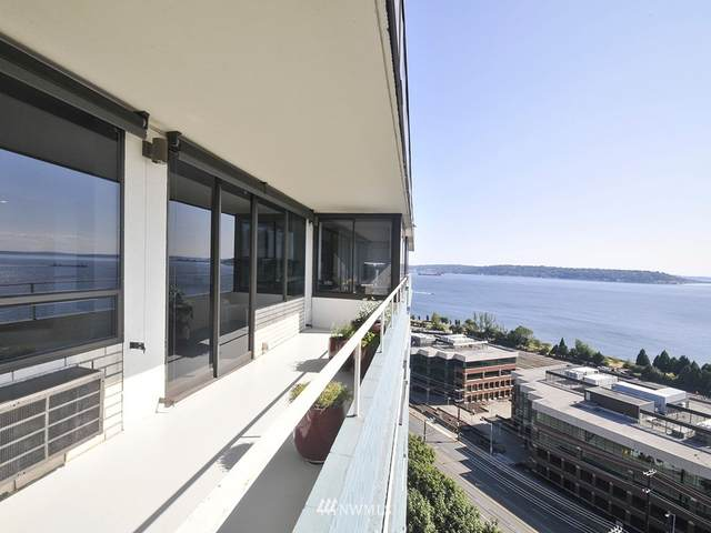 5th Avenue W #1102, Seattle, WA 98119 (#1643541) :: Keller Williams Realty