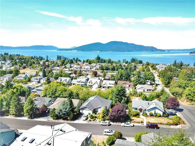 1910 Kansas Ave, Anacortes, WA 98221 (#1644626) :: McAuley Homes