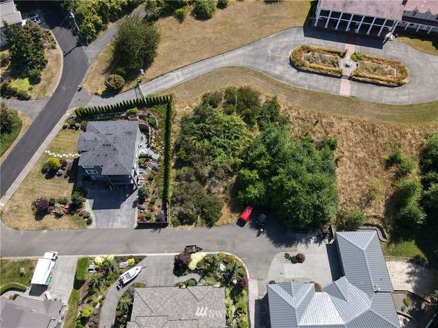 8038 Cyrus Place, Edmonds, WA 98026 (#1645373) :: Ben Kinney Real Estate Team