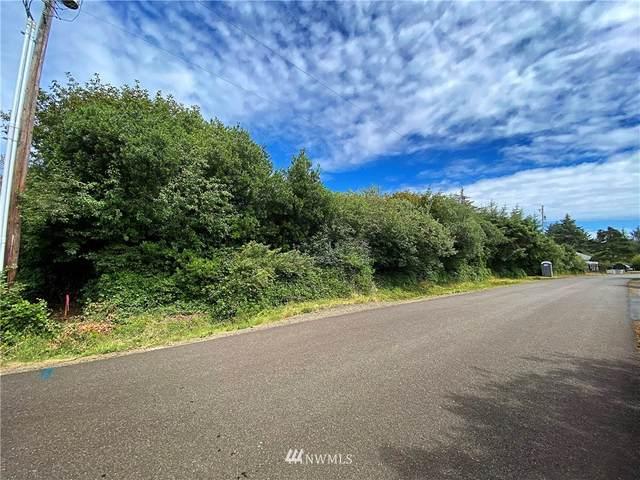 142 N Narwhal Loop NW, Ocean Shores, WA 98569 (#1645617) :: Pickett Street Properties