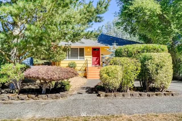 3212 48th Avenue SW, Seattle, WA 98116 (#1646130) :: The Original Penny Team