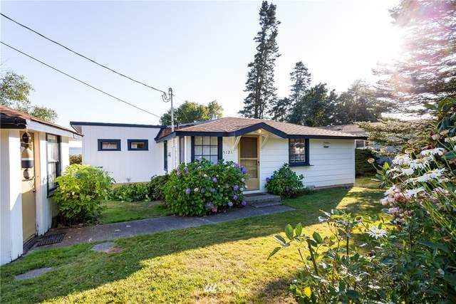 5121 Seaview Drive, Blaine, WA 98230 (#1646560) :: The Shiflett Group