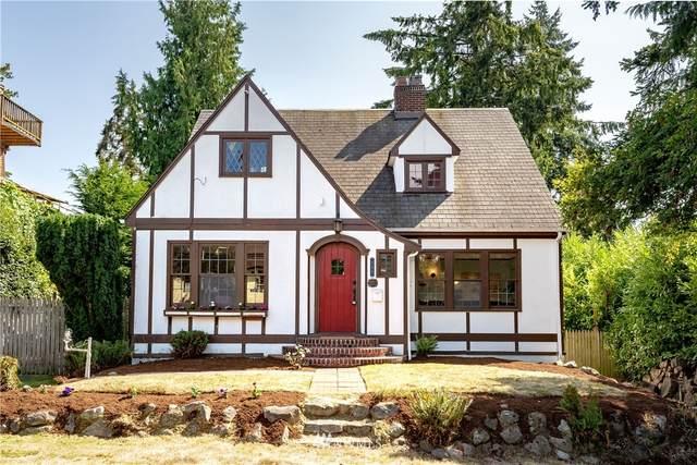 845 NE 88th Street, Seattle, WA 98115 (#1646709) :: KW North Seattle
