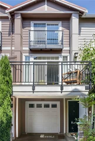 12721 SE 41st Place #213, Bellevue, WA 98006 (#1647439) :: Ben Kinney Real Estate Team