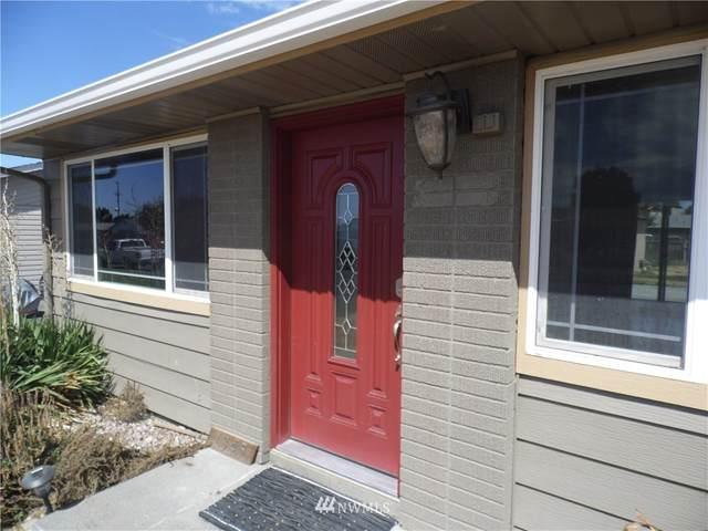 1345 E Cedar Street, Othello, WA 99344 (#1647525) :: Alchemy Real Estate