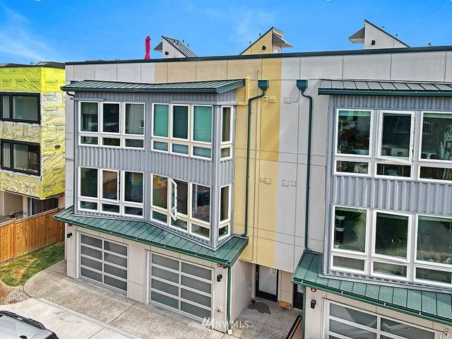 7528 43rd Avenue S B, Seattle, WA 98118 (#1647808) :: Hauer Home Team