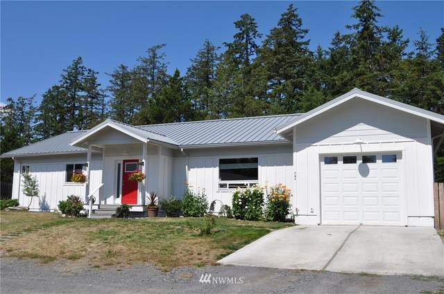 794 Larson Street, San Juan Island, WA 98250 (#1647831) :: Ben Kinney Real Estate Team