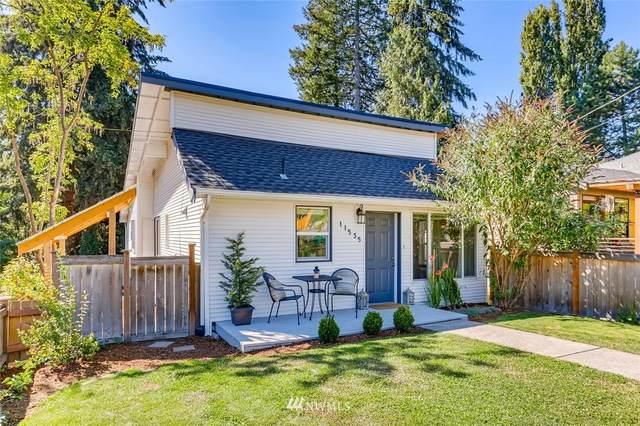 11535 39th Avenue NE, Seattle, WA 98125 (#1648085) :: Hauer Home Team