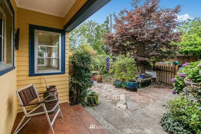 7416 46th Avenue S, Seattle, WA 98118 (#1648728) :: Hauer Home Team