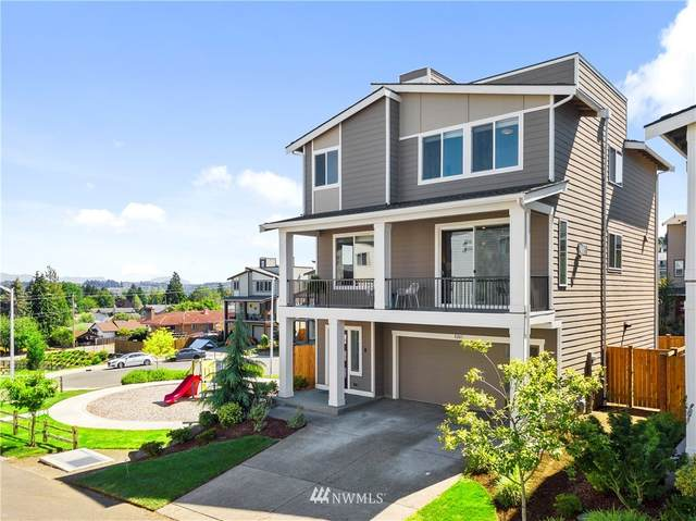 8243 S 118th Lane, Seattle, WA 98178 (#1649069) :: Ben Kinney Real Estate Team