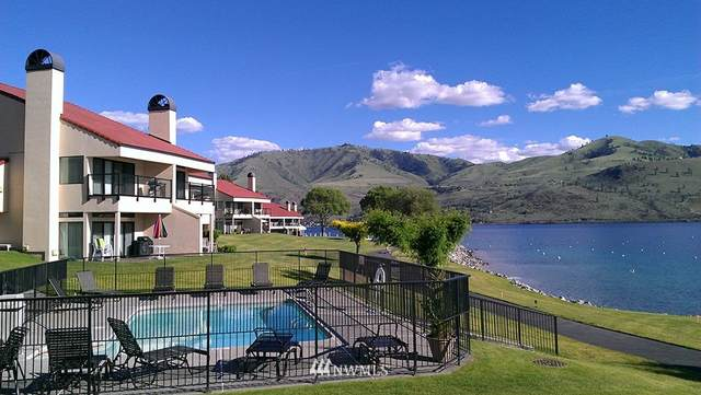 100 Lake Chelan Shores Drive 10-4, Chelan, WA 98816 (MLS #1649493) :: Nick McLean Real Estate Group