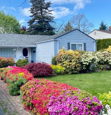 8627 34th Avenue SW, Seattle, WA 98126 (#1651211) :: Better Homes and Gardens Real Estate McKenzie Group