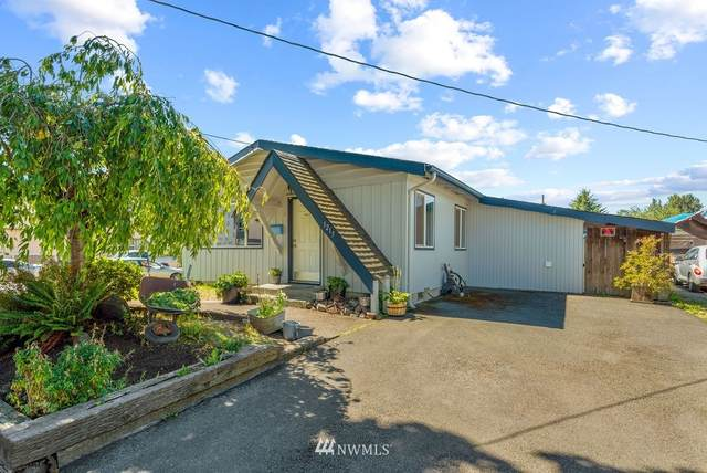 1215 S 4th Street, Kelso, WA 98626 (#1652216) :: NextHome South Sound