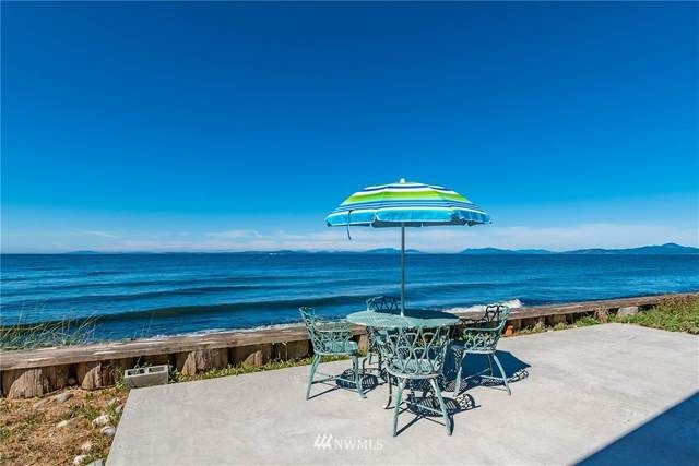 2653 West Beach Road, Oak Harbor, WA 98277 (#1653792) :: Hauer Home Team