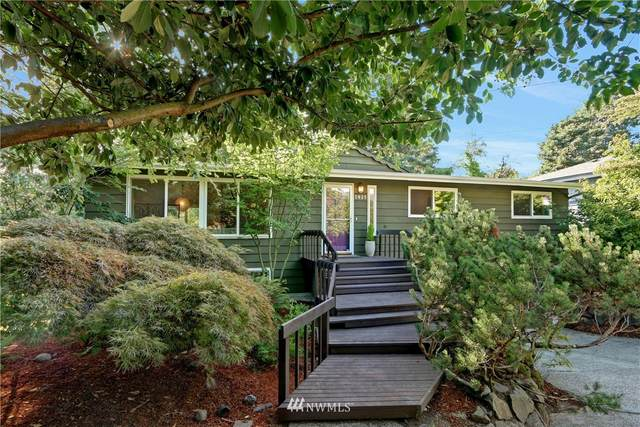 2825 SW 110th Place, Seattle, WA 98146 (#1654021) :: Better Properties Lacey