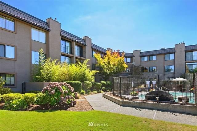 11300 1st Avenue NE #215, Seattle, WA 98125 (#1654137) :: Urban Seattle Broker