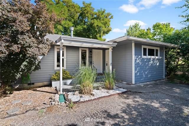 8209 A Street, Tacoma, WA 98408 (#1654204) :: Capstone Ventures Inc