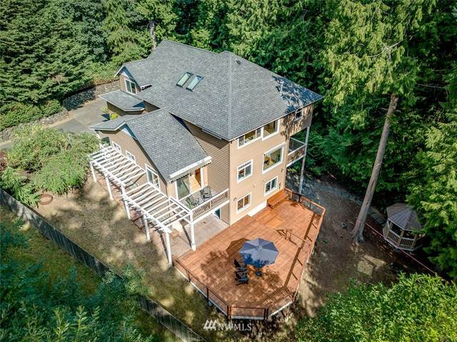 4652 Island Avenue NE, Bainbridge Island, WA 98110 (#1654812) :: Capstone Ventures Inc