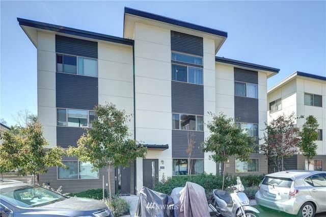 4243 S Greenbelt Station Drive, Seattle, WA 98118 (#1656111) :: McAuley Homes