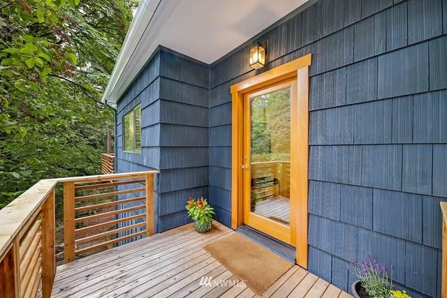 4073 NE 109th Street, Seattle, WA 98125 (#1656790) :: NextHome South Sound