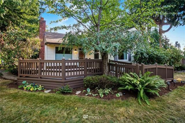 11349 Sand Point Way NE, Seattle, WA 98125 (#1657328) :: Pickett Street Properties