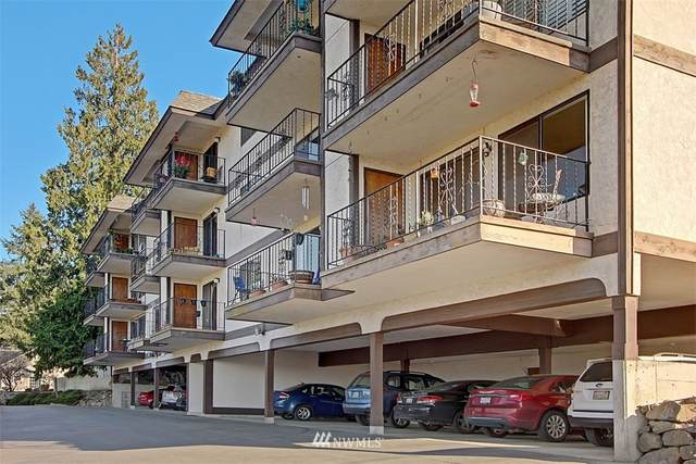 317 Kennebeck Avenue S #304, Kent, WA 98030 (#1657504) :: Ben Kinney Real Estate Team