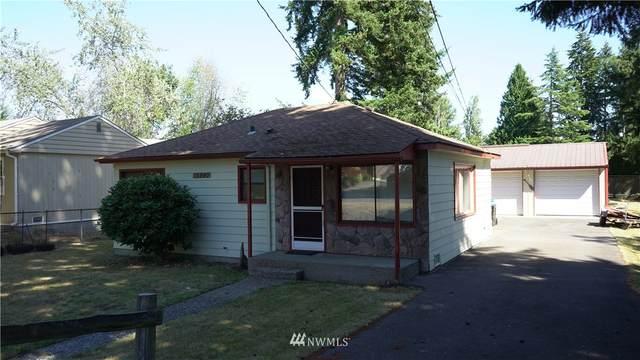 15840 26th Avenue NE, Shoreline, WA 98155 (#1657708) :: Hauer Home Team