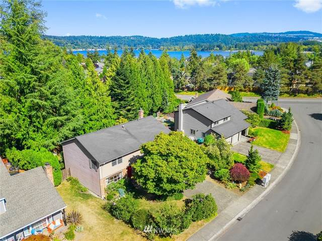 19124 SE 47th Place, Issaquah, WA 98027 (#1658211) :: Better Homes and Gardens Real Estate McKenzie Group