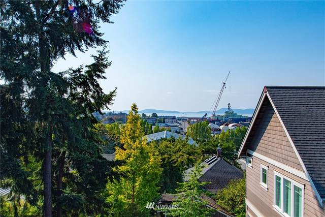 405 3rd Street, Anacortes, WA 98221 (#1658529) :: TRI STAR Team | RE/MAX NW