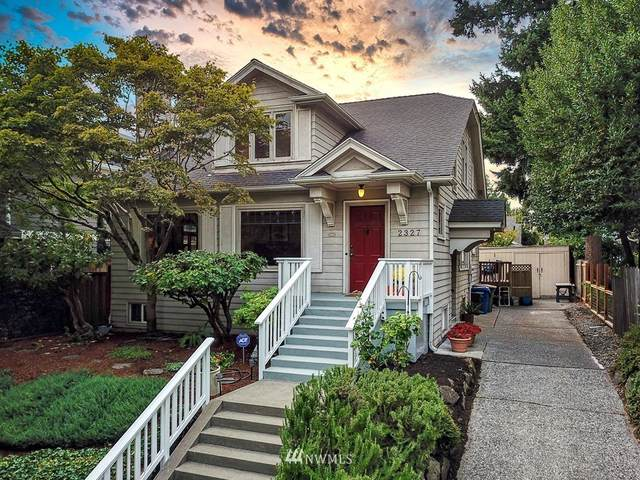 2327 32nd Avenue S, Seattle, WA 98144 (#1658953) :: Hauer Home Team
