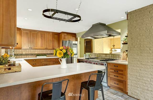 8738 209th Place SW, Edmonds, WA 98026 (#1659309) :: Ben Kinney Real Estate Team